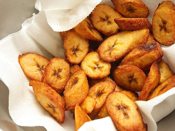 very ripe plantains the skin of the plantain should be brownish ...