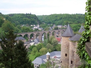 luxembourg-castle-wall-and-scenery-luxembourg-city